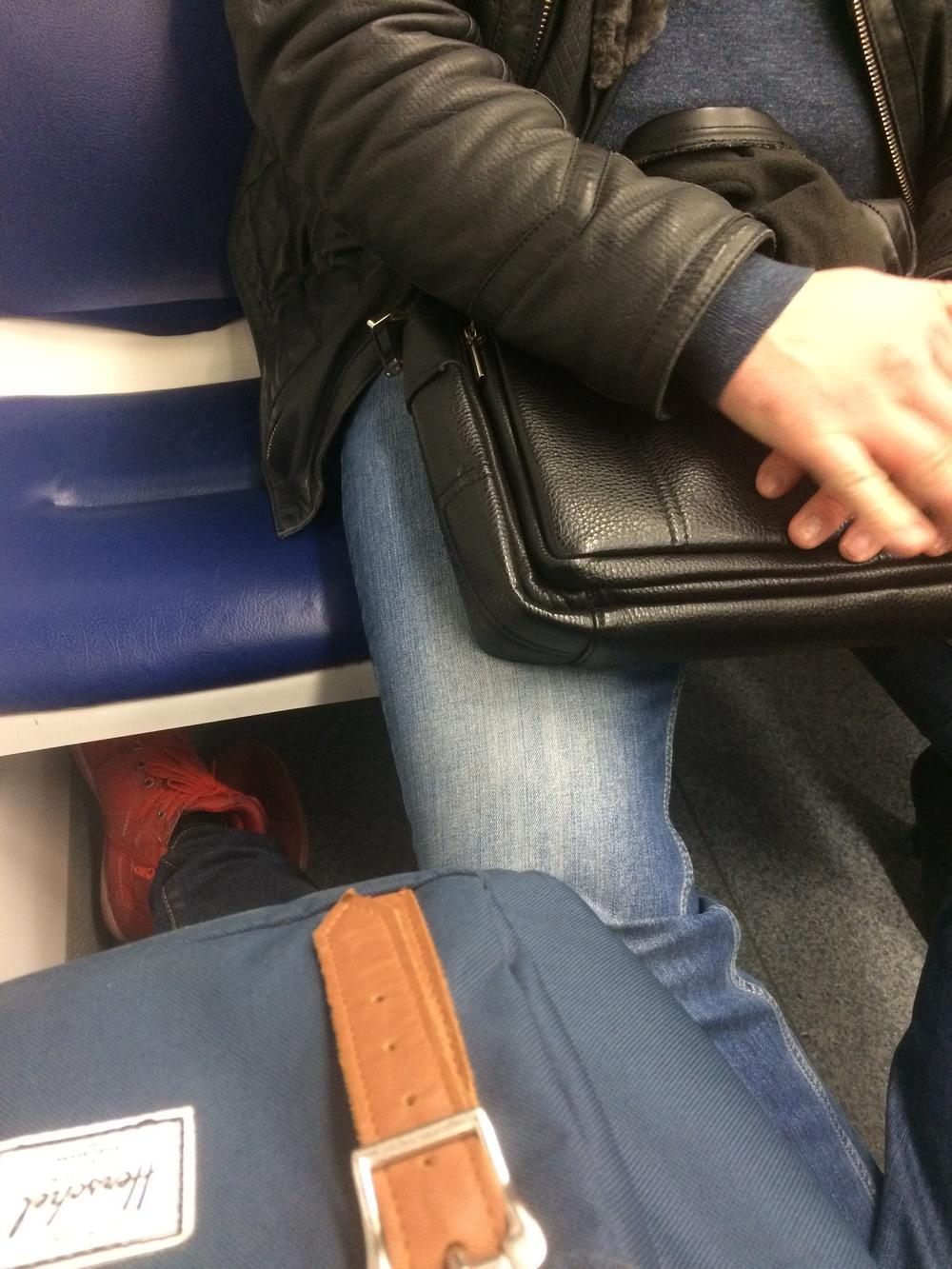 Бабы раскинули ноги, порно анал для андроид смотреть