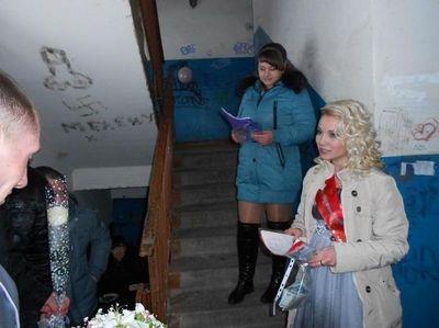 Сведетель сгостями трахнули невесту покругу фото 609-142