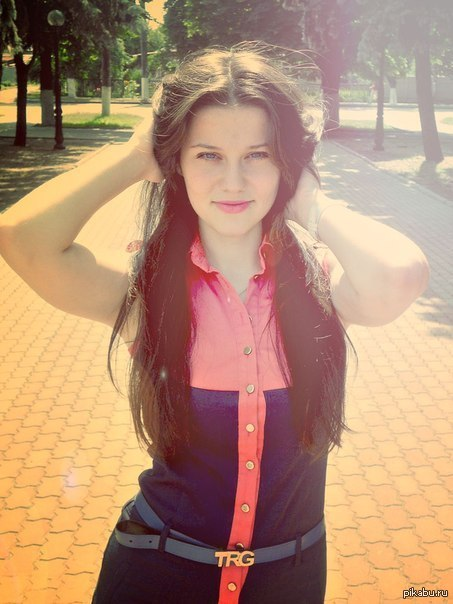 Помогите найти девушку пожалуйста Познакомились в NektoMe, зовут Вика, живет в Харькове. Других данных не знаю, Гугл не помог.