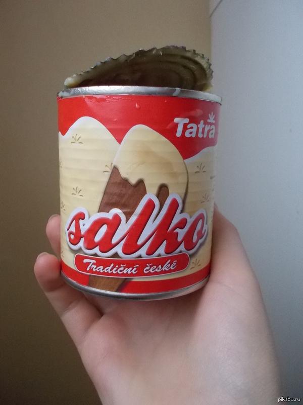 Салко :) Моя соседка по комнате из Чехии, привезла нам такой гостинец. Это у них такая сгущенка, так и называется =-)