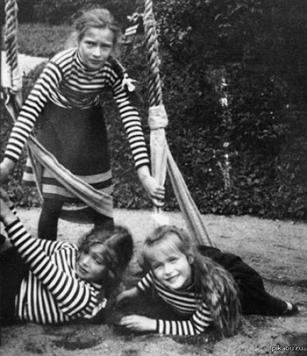 Княжна Анастасия, Татияна и Мария. 1908 год