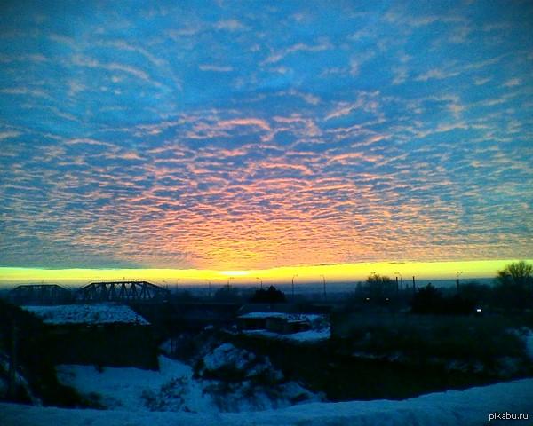 Рождественское небо Увидел это утром на рождество в 2013 году, когда служил в армии.
