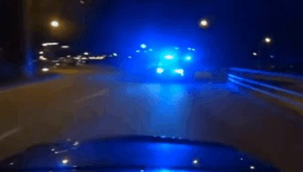 Cop car vs 500hp Mercedes-Benz