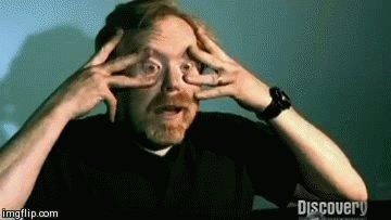 Адам Сэвидж пытается чихнуть с открытыми глазами Довольно жутко