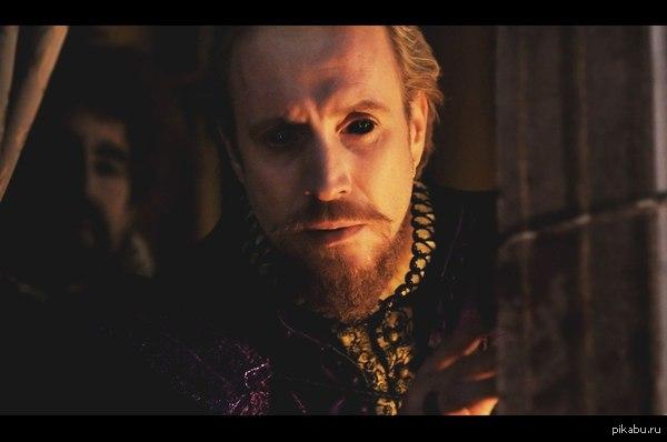 Кажется, Шеогорат нашел себе земное воплощение Рис Иванс в образе графа Оксфорда