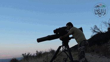 Попадание в танк ракетой TOW