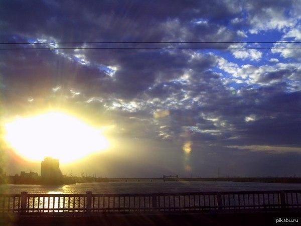 Закат, похожий на ядерный врыв