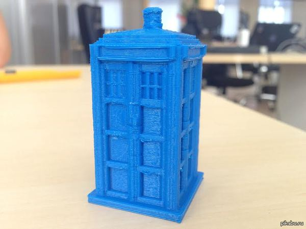 Друг напечатал Тардис на 3d-принтере