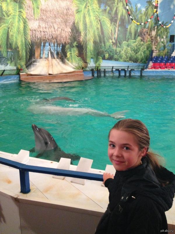 Я и дельфин на ВДНХ. Я рада по уши, всем советую. они там будут до 31 августа.