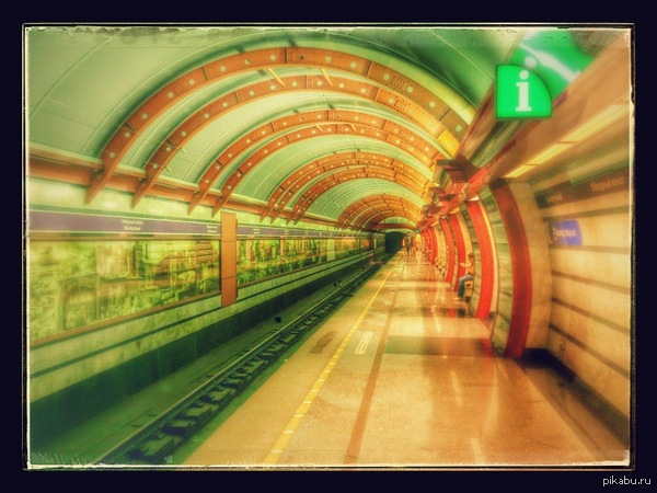 """Станция метро """"Обводный канал"""" Самая любимая мной по оформлению станция метро."""