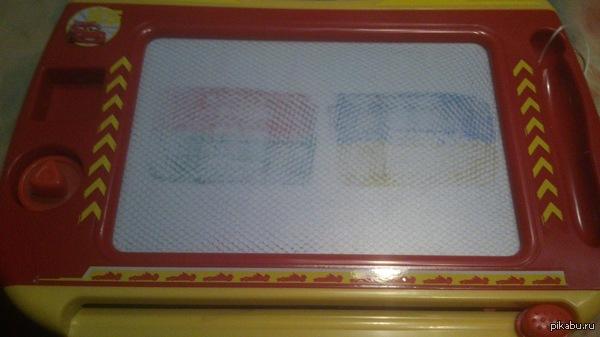 Детская рисовалка. В рисовалке 4 цвета, расположенные в таком порядке =) символично...