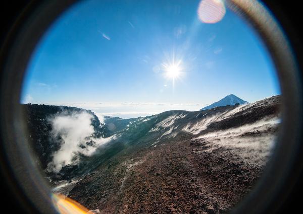 В кратере вулкана На макушке Авачинского вулкана, Камчатка. лето 2013 года.