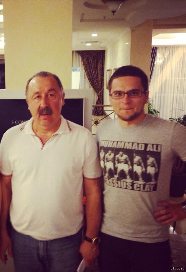 Вот моё фото со знаменитостью Фотография была сделана в Донецке всего лишь в июле 2013 года