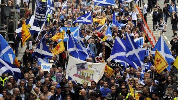 В Шотландии в 10 утра по московскому времени начался референдум о независимости от Британии