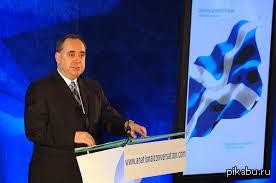 сегодня лидер шотландской национальной партии Салмонд Алекс   признал проигрыш в референдуме Шотландия остаётся в составе Великобритании с 55%