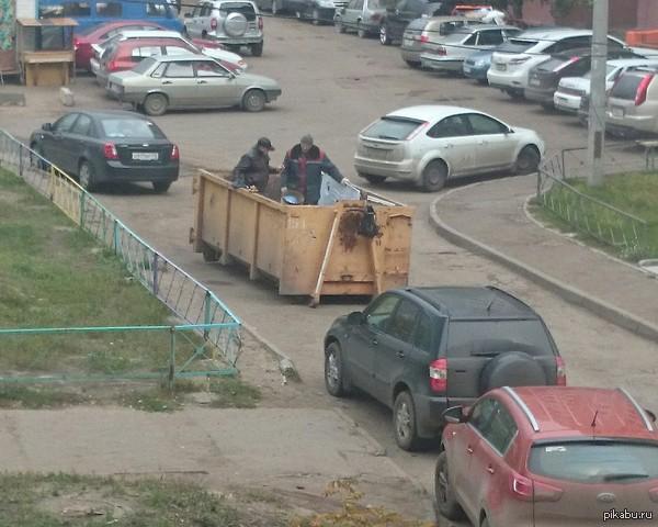 Вот такие машины стали разъезжать по Казани. Дешево и сердито