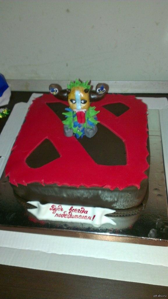 Вот такой подарок. Другу на день рождения девушка подарила вот такой торт