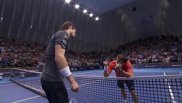 Самый продолжительный теннисный финал сезона.  Энди Маррей - Томми Робредо.  Сил в конце матча хватило только на это :)))))