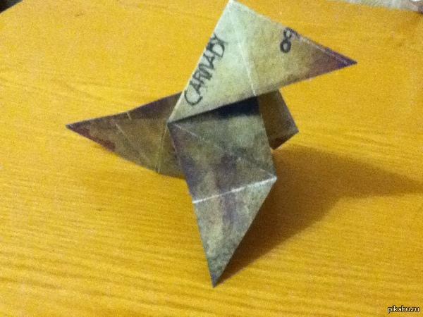 """Оригами с обложки игры """"Heavy Rain"""" Я как ярый любитель всяких интересных вещей решил вот сделать оригами к замечательной игре """"Heavy Rain""""."""