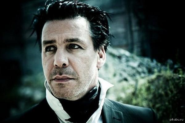 Сегодня, 4 января, празднует свой 52-й день рождения солист немецкой группы «Rammstein» — Till Lindemann.