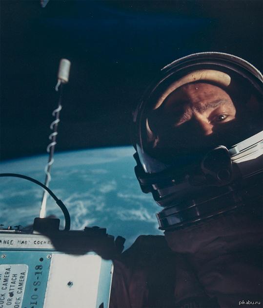 Первое селфи в космосе, 1966