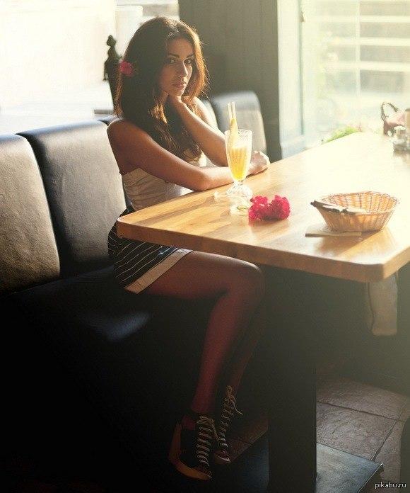 фото сасущей девушки