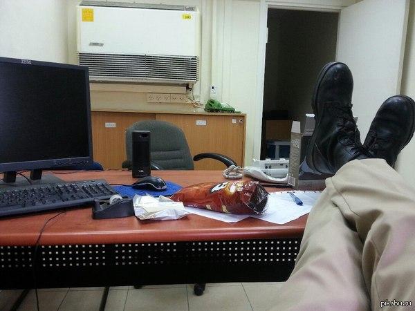 Офисный планктон армии Израиля. Вот так выглядет офисный работник армии Израиля или  История о том как я задолбался нечего не делать.