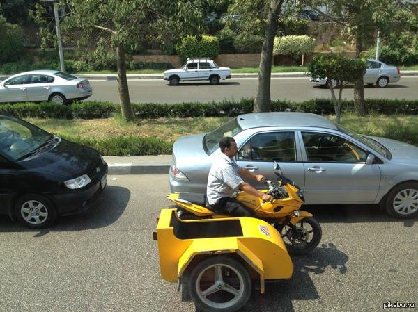 Спортбайк с коляской Видимо это норма для Каира