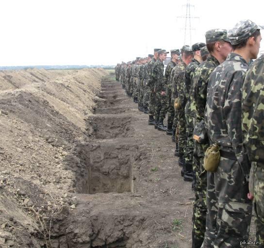На Украине начали готовиться к пятой волне могилизации Сегодня на Украине заканчивается четвертая волна могилизации. Тем временем военкомы говорят, что уже начали работу по призыву на пятую волну мобилизации.