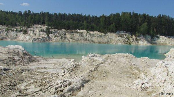 Местное Гоа Листая ленту наткнулся на озеро розового цвета. Решил поделиться нашим голубым озером, г. Кыштым  Вода такого цвета из-за каолина.