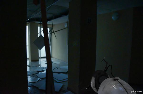Погода в Ростове на Дону Резкий ветер вырвал панельный потолок, я будто оказался в одной из заброшенных камер