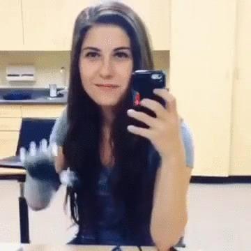 Бионическая рука модель Bebionic3  девушка Angel Giuffria