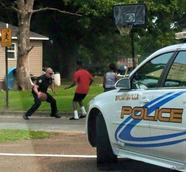 Basketball cop