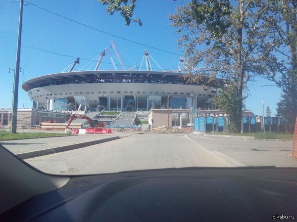 Пару фоток. Строительство стадиона в Питере  Обещают закончить в мае след. года