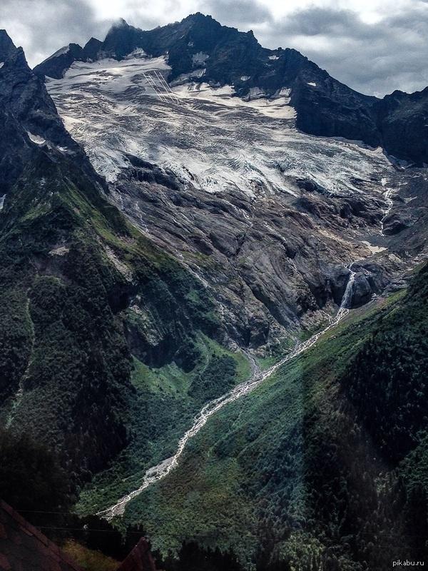 Величественные горы Домбая Ни разу не фотограф, просто вид заворожил.