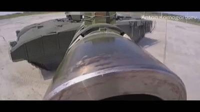 Стабильное вращение Когда башня уперлась в воздух и вращает танку корпус