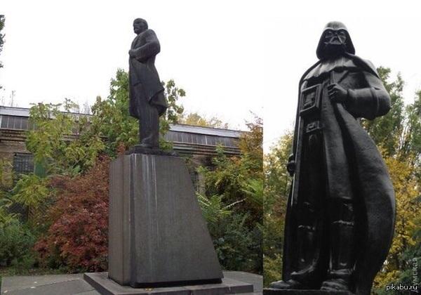 Памятник Ленину в Одессе заменили на Дарта Вейдера А в голову встроили wi-fi роутер