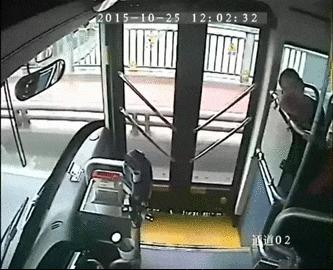 Ведео секс геи тролебусы с водителем и контуктором депо
