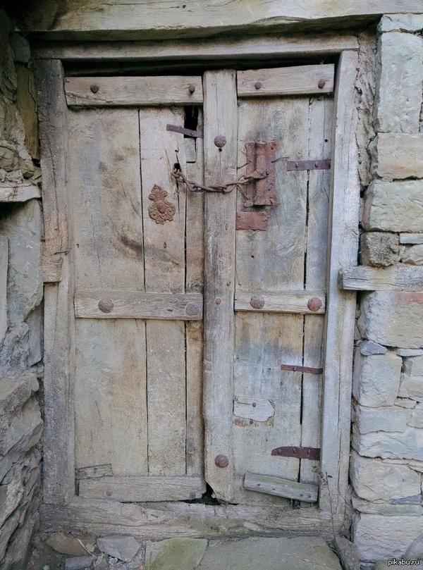Просто дверь
