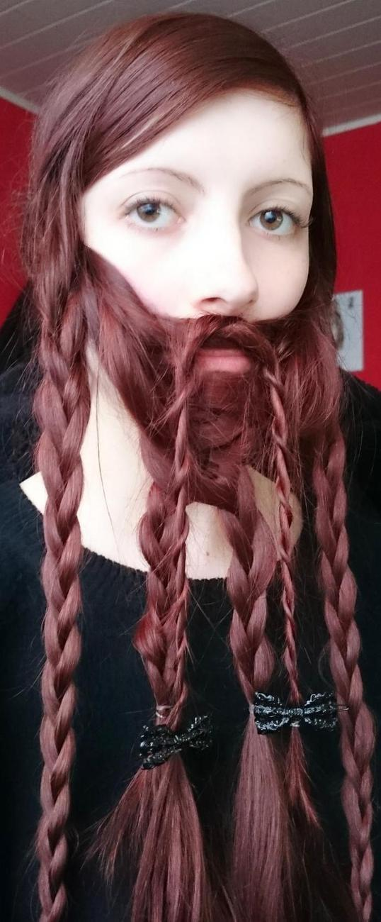 Коса борода прическа