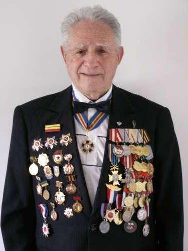 Иона Деген , воин танкист, поэт, врач, человек с невероятной биографией