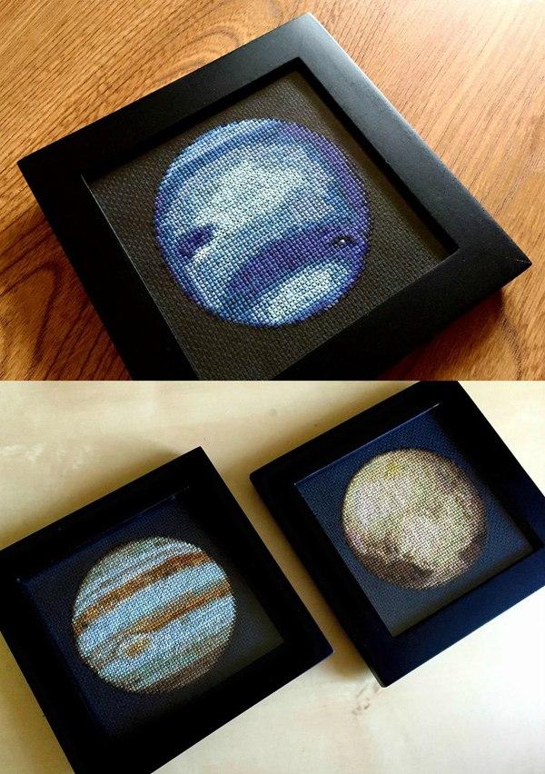 Планеты Солнечной системы, вышитые крестиком.