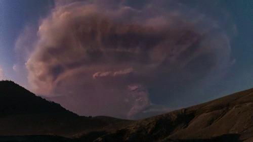 Молнии внутри облака вулканического пепла Вулкан, Пепел, Молния, Гифка