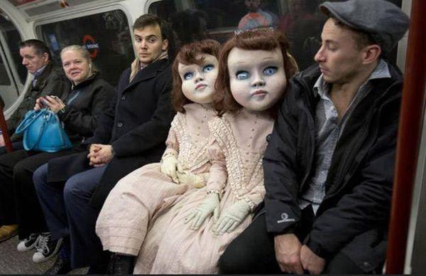 Однажды, прямо в вагоне метро, я чуть дачу себе не построил, на 352 персоны. метро, поезд, маска, куклы, муклы, Кирпичный завод