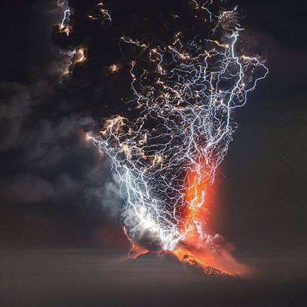 Извержение вулкана, Чили.