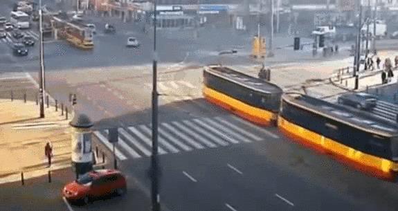 Не трамвай...