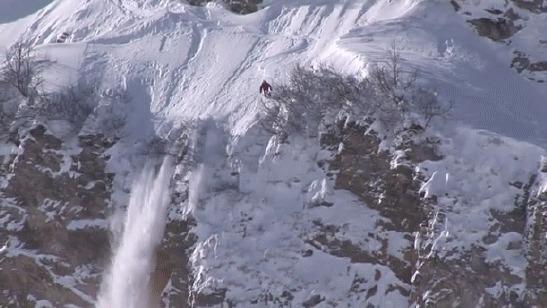 Сальто с 64-метровой высоты Горные лыжи, Экстрим, Слабоумие и отвага, Сальто, Горы, Гифка, Видео