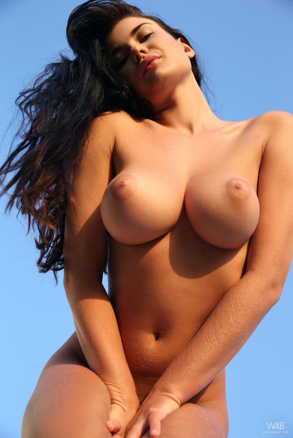 голые женщины с красивой грудью