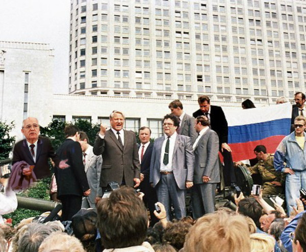 В преддверии годовщины распада Советского Союза СССР, Горбачев, Траволта, Белый дом, 1991