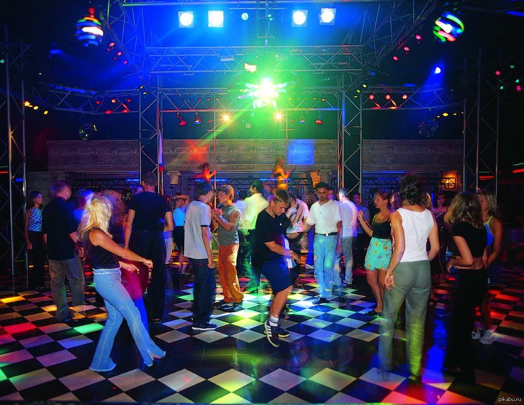 В чем ходят в ночной клуб женщины отзывы ночного клуба краснодара